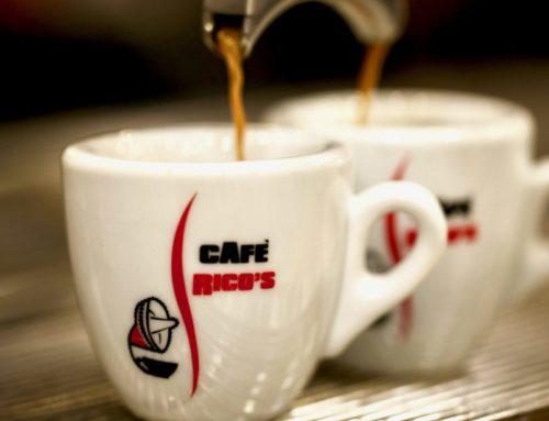 CAFÈ RICO'S:  dentro a quella Miscela c'é un mondo e dietro a quel sombrero Le Marche