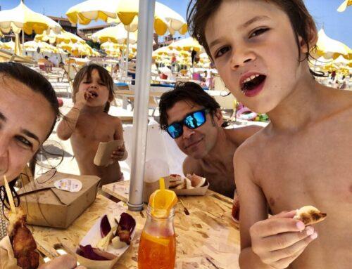 SPIAGGE IDEALI PER BAMBINI? A Porto Potenza Picena c'è il Solero Beach (e la sua App per pranzare sotto l'ombrellone )