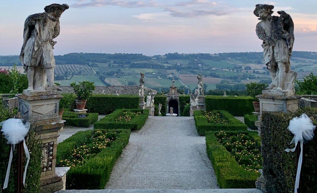 Giardini villa Buonaccorsi Potenza Picena