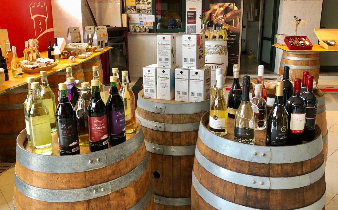 Vini Accattoli Azienda Vinicola Marchigiana